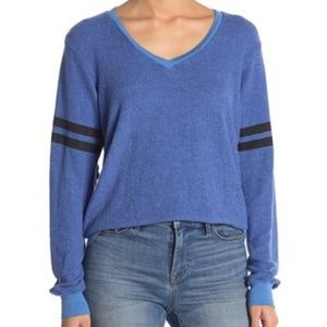 Wildfox | V Neck sweater